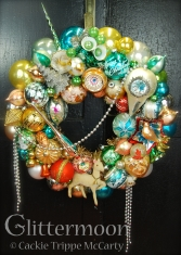 %22A Posh Christmas%22 Wreath ©Glittermoon Productions LLC