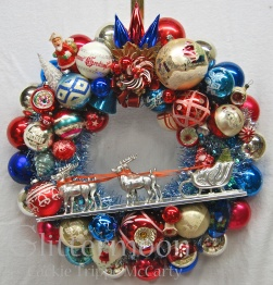 CHEERS FOR THE RED, WHITE & BLUE Wreath from Glittermoon Vintage Christmas