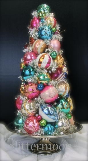 CHRISTMAS FANTASY TOPIARY ©Glittermoon Productions LLC 2012