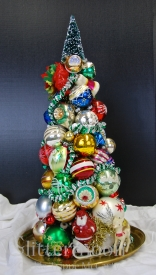SEASON'S GREETING TOPIARY©Glittermoon Productions LLC 2012