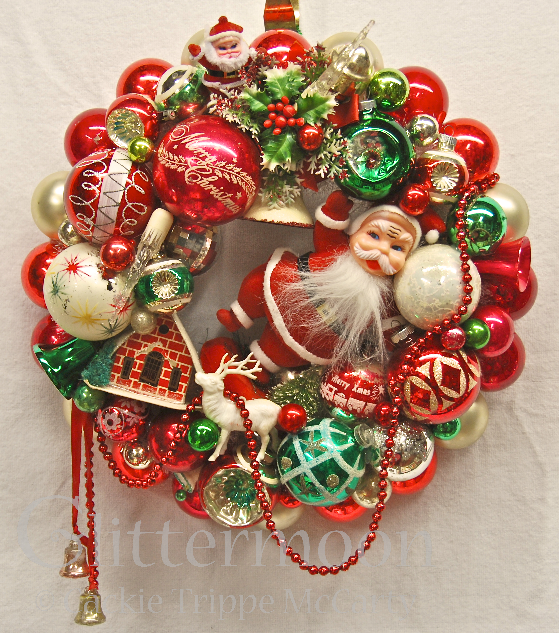 Santa s greeting wreath glittermoon vintage christmas