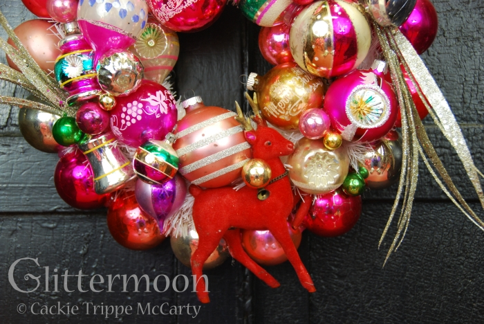 Detail of LITTLE PINKY WREATH © GLITTERMOON PRODUCTIONS LLC 1