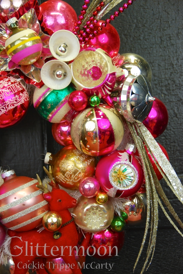 Detail of LITTLE PINKY WREATH © GLITTERMOON PRODUCTIONS LLC 3