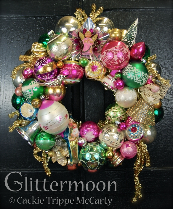Angels Watch Wreath ©Glittermoon Productions LLC
