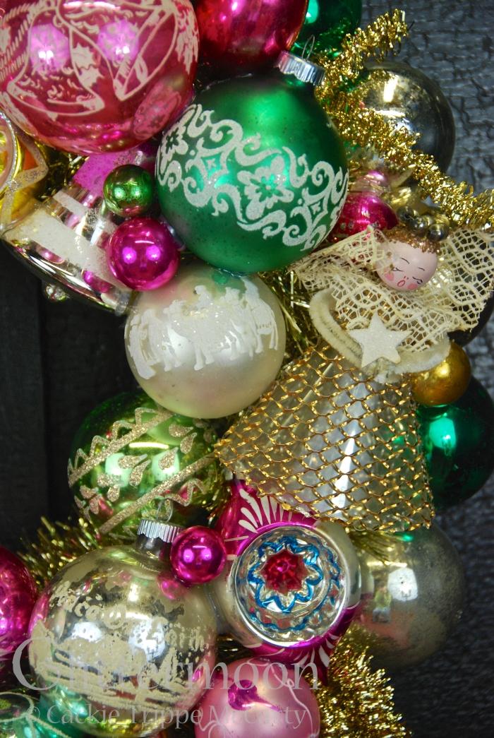 Detail of Angels Watch Wreath ©Glittermoon Productions LLC 5