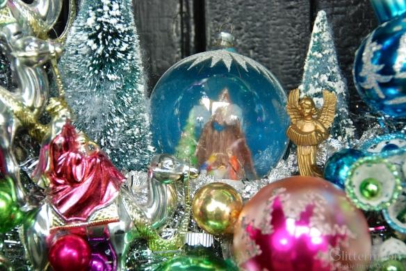 Nativity scene in Joy-Full