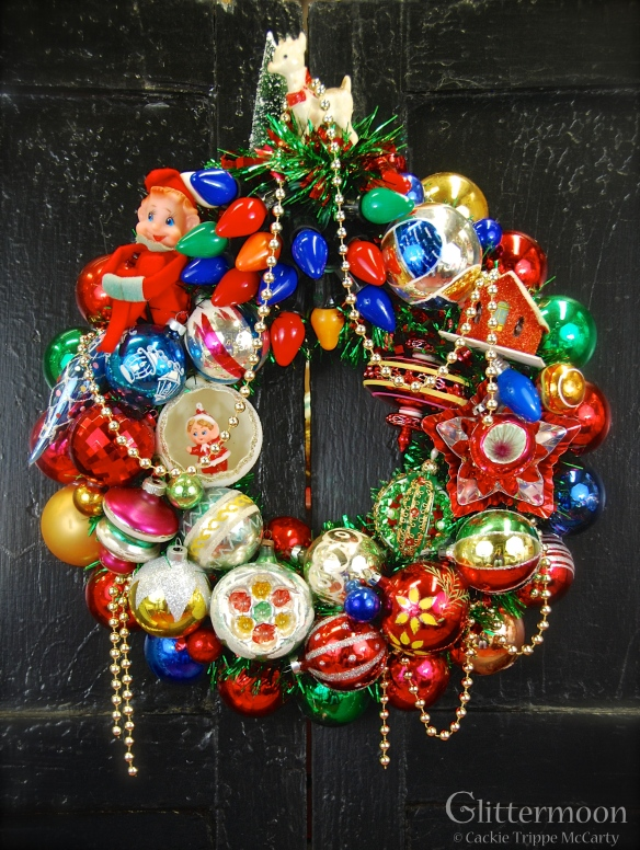 Retro Magic Wreath 17%22