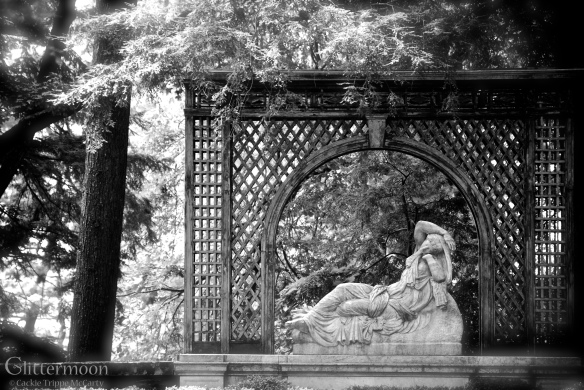 Grand boundary surrounding a recumbent maiden - Kykuit estate, Tarrytown, NY