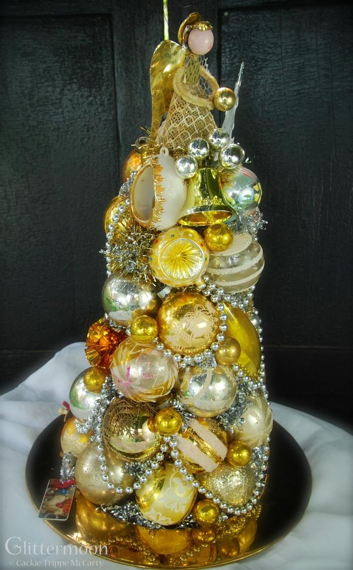 Golden Halo Centerpiece© Glittermoon Vintage Christmas 2016 3
