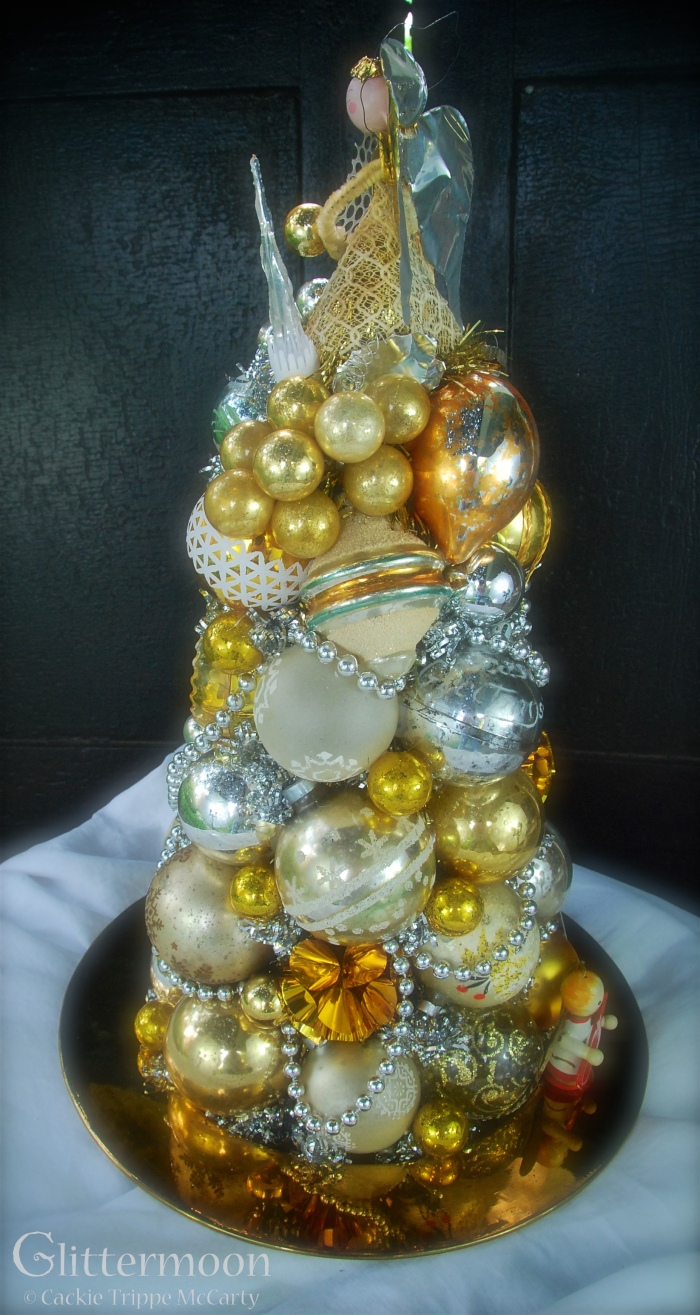 Golden Halo Centerpiece© Glittermoon Vintage Christmas 2016 6