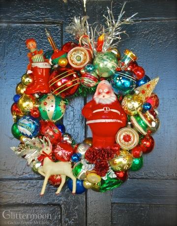 """""""Mid-Century Memories"""" wreath ©2014 Glittermoon Productions LLC"""